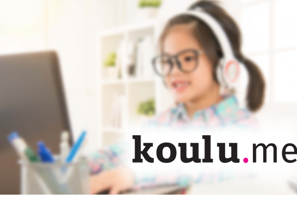 Koulu.me logo and a picture of a child learning on a computer